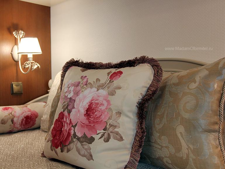 Два варианта штор, Декорирование однокомнатной квартиры