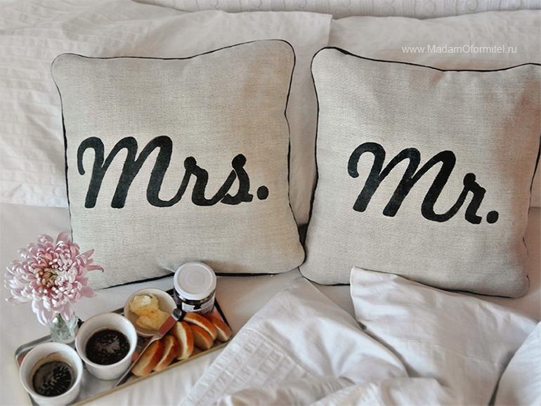 Декоративные подушки, роспись по ткан, пошив штор, пошив штор в Санкт-Петербурге, шторы от Мадам Оформитель