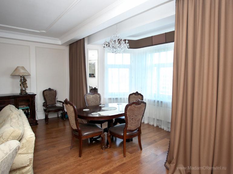 шторы в квартире с эркером, шторы в гостиной, шторы от Мадам Оформитель, пошив штор на заказ в СПб