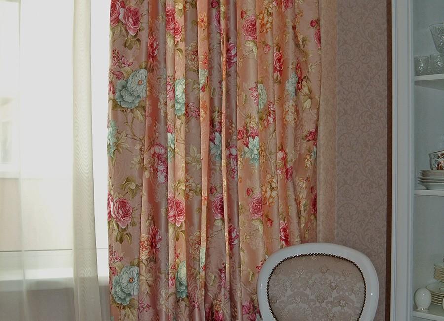 Шторы с цветочным рисунком, Шторы в квартире, шторы на заказ, шторы от Мадам Оформитель, пошив штор на заказ, пошив штор в Санкт-Петербурге, пошив штор, шторы на кухню