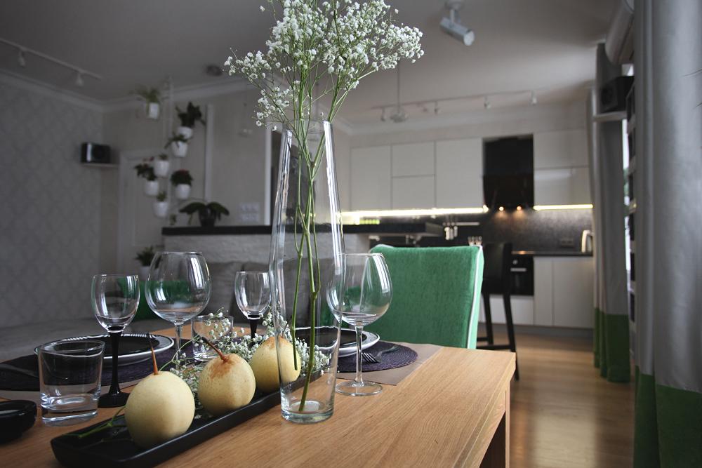 Шторы на люверсах Color Block, дизайнер интерьера, визуализация, дизайнер в СПб, дизайнер Питер, дизайнер интерьеров спб, дизайн-проект квартиры, дизайн гостиной, белая кухня