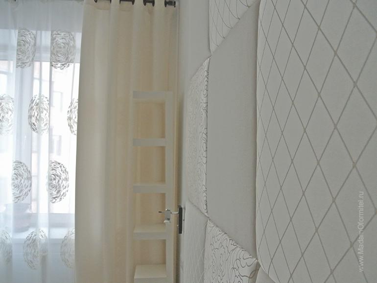 Текстильное оформление спальни, шторы в спальне, шторы на люверсах, пошив штор на заказ, шторы на заказ, мягкое изголовье кровати, Шторы от Мадам Оформитель, декоративные подушки, юбка для кровати