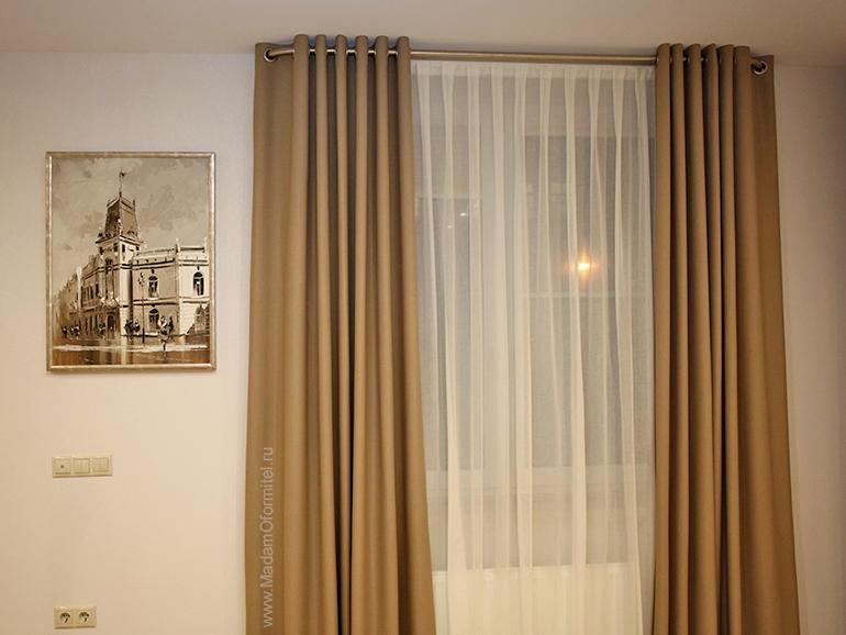 шторы на люверсах, шторы в гостиную, шторы на заказ, пошив штор на заказ в СПб, шторы от Мадам Оформитель, шторы в гостиную, объединенную с кухней