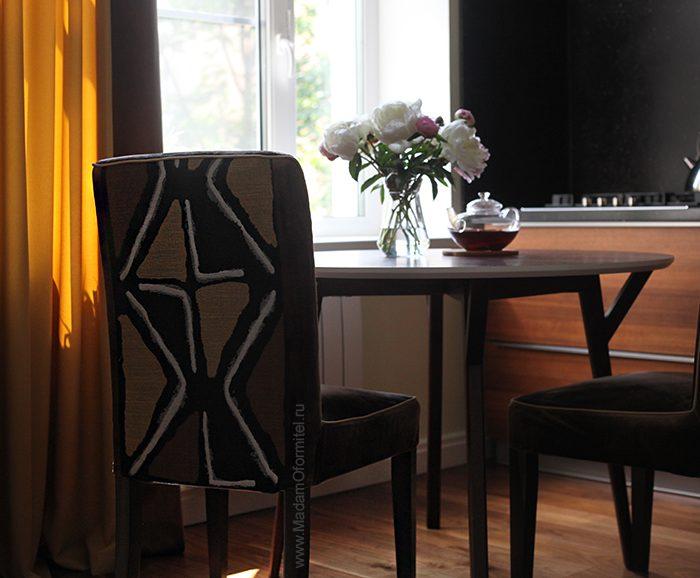 шторы в гостиной, пошив штор в СПб, шторы на заказ, шторы от МадамОформитель, римские шторы, шторы с бархатом, дорогие шторы, пошив дорогих штор, шторы для кухни совмещенной с гостиной, пошив чехлов на стулья