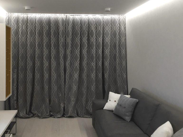 Серые шторы в интерьере, пошив штор на заказ, пошив штор от Мадам Оформитель, шторы в гостиную, шторы на заказ в Спб